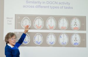 Dr. Sandy Bell delivers a talk on the brain and learning